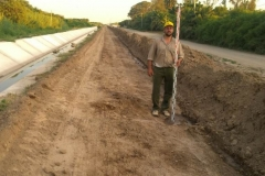 Ejecucion de tareas de extraccion, trasporte de suelo, relleno y compactacion sobre camino de servicio. Etapa de trabajo 4