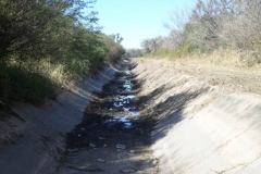 Vista del canal Maco-Manogasta despues de la limpieza de solera