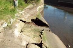 Mantenimiento general del Canal Matriz - losas de taludes destruidas 2014