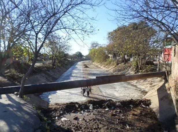 trabajos de revestimiento de solera del canal San Martin 14