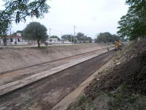 trabajos de revestimiento de solera del canal San Martin 2