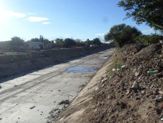 trabajos de revestimiento de solera del canal San Martin 4