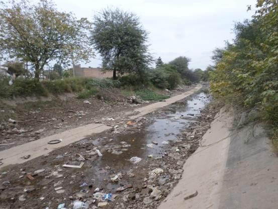 trabajos de revestimiento de solera del canal San Martin 6