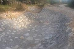 Proteccion en alcantarilla. Relleno y compactacion de suelo en solera y taludes. 2016. Trabajo concluido